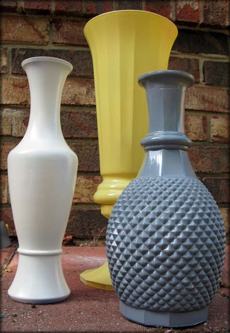 spray paint vase janey mac spray painted glass vases diy