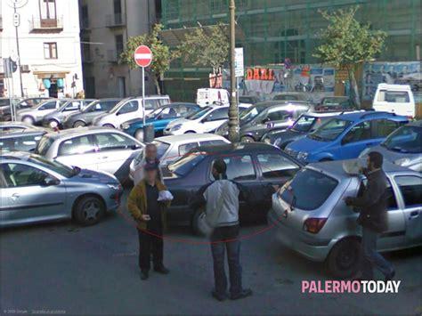 polizia municipale napoli ufficio contravvenzioni piazza papireto denunciato un posteggiatore abusivo