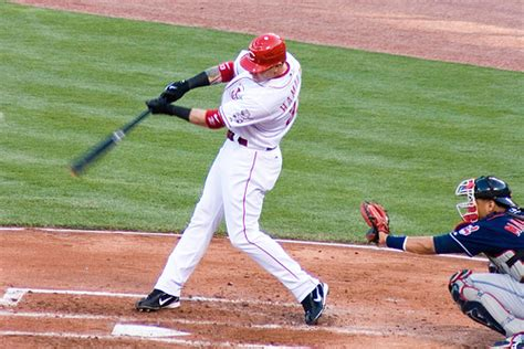 josh hamilton swing josh hamilton s secret to weight transfer train baseball