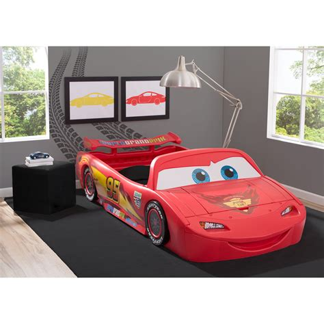 disney cars lightning mcqueen toddler bed delta children disney pixar cars lightning mcqueen