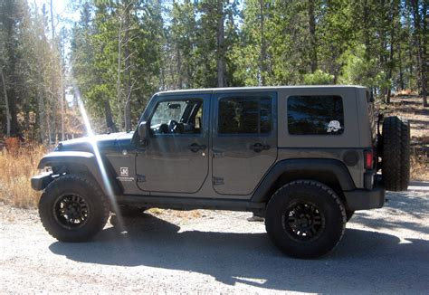 99 jeep wheels show your black wheels page 99 jk forum the