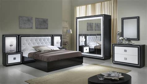 chambre h e armoire design 4 portes avec miroir laqu 233 e blanche et