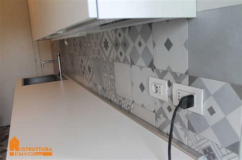 Rivestimenti Piastrelle Cucina - rivestimento cucina bianco