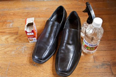smelly slippers how to clean smelly leather shoes with pictures ehow
