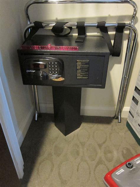 hotel room safes get to the safe in your disney world hotel room touringplans touringplans