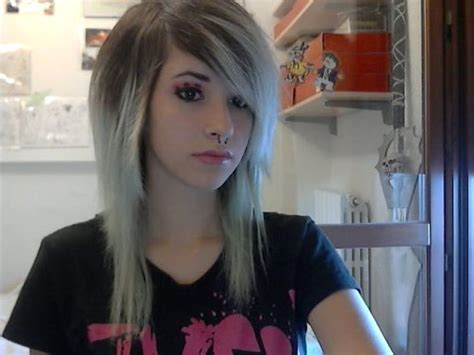 how to do emo hairstyles easy emo scene make up and hair tutorial youtube