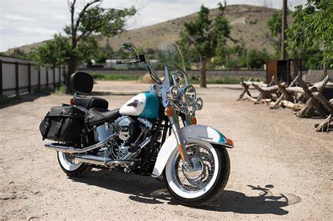 Motorrad Classic 4 2016 by Harley Davidson Softail Heritage Classic Modelljahr 2016