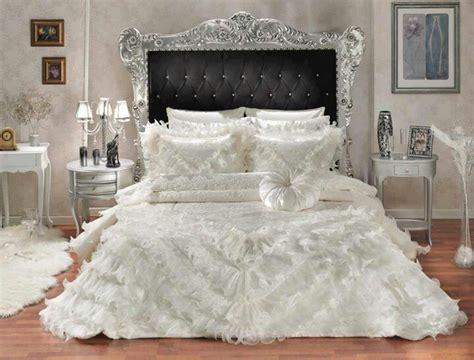 Beautiful Bedspreads Beautiful Bedspread Black N White