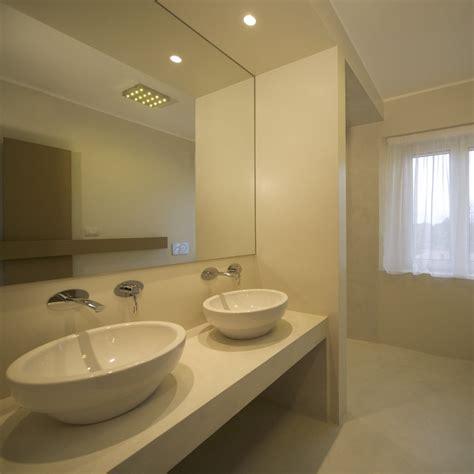 smalto per pareti bagno pareti bagno with pareti bagno