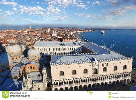 how to quot read quot venice s palaces venice with doge palace in italy stock photography image