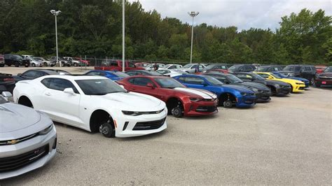 audi dealerships dallas chevy dealership robbed for wheels