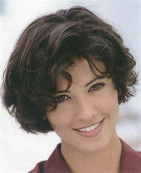 should full faced women wear bob hairstyles 84 best milfs and hot mommas images on pinterest