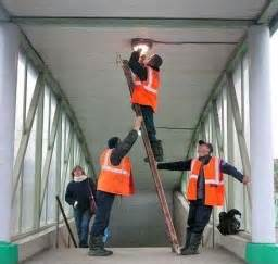 the do s don ts of ladder safety in construction