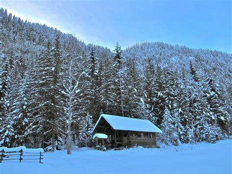okanagan cing cabin bc vacation