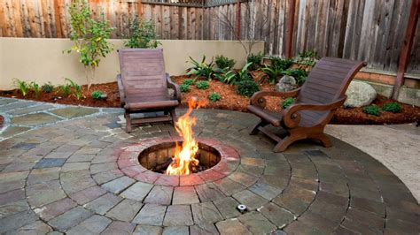 10 Amazing Backyard Fire Pits For Every Budget Hgtv S Backyard Firepit