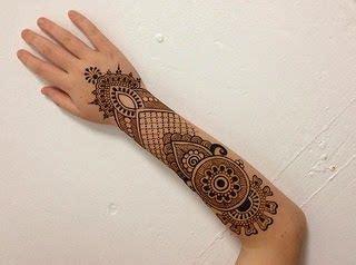 henna tattoo hand blume 1000 ideas about henna arm on henna henna