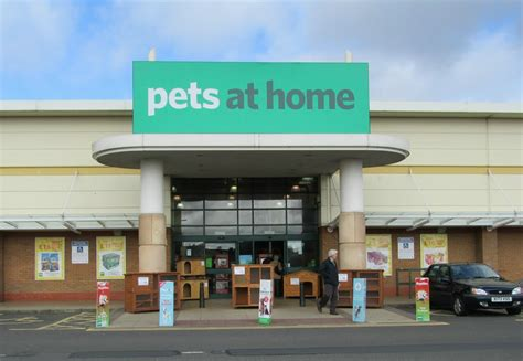 panoramio photo of pets at home