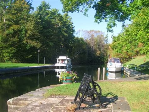 houseboat canada marvelous canada houseboating rideau canal ontario