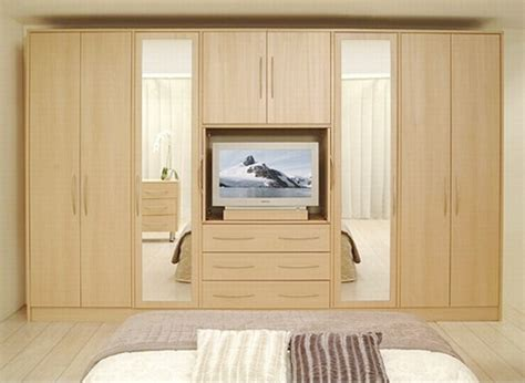 Bed Room Wardrobes by Lispo Home