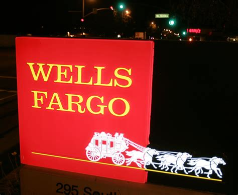 is fargo bank open today fargo is a up call for all bank customers cbs