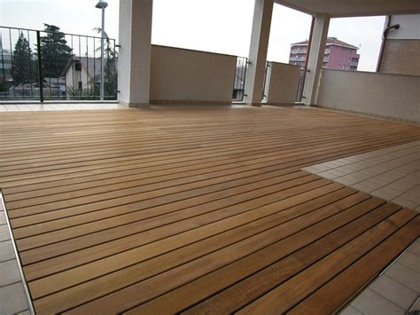 pavimento teak esterno pavimento per esterni in teak d 233 co decking