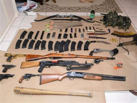 arsenal of weapons florida deputies stumble on weapons stash note vowing