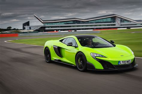 The McLaren 675LT   VR World