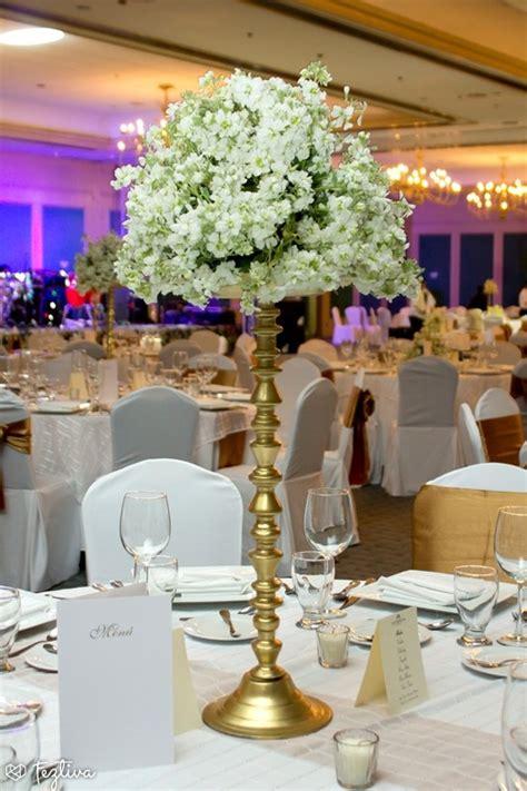 mesas para salones centro de mesa de doble altura pero de base delgada ideal