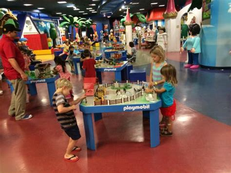 Playmobil Palm Gardens by Mesas Con Juegos De Playmobil Picture Of Playmobil Funpark Palm Gardens Tripadvisor
