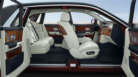 build your own rolls royce build your own phantom with rolls royce s new configurator