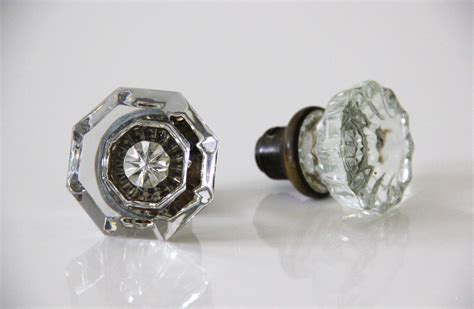 Glass Door Knobs by Diy Glass Door Knob Bud Vases Featured On Wedding
