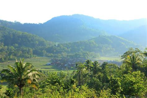 desa di balik perbukitan dan pegunungan pulau sumbawa indonesiakaya eksplorasi budaya di