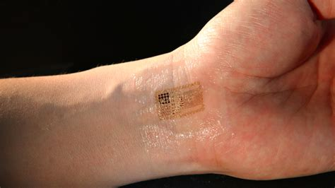 electronic tattoo tracks patients vital signs