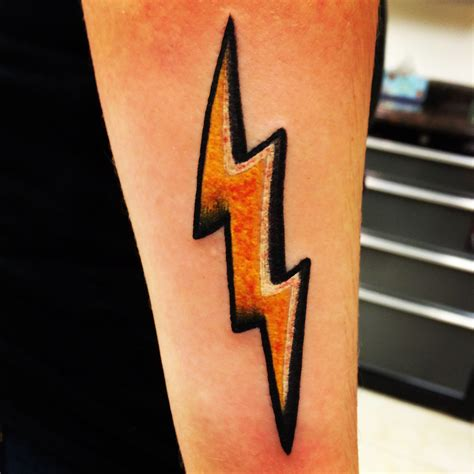 lightning bolt tattoo lightning bolt tatu s lightning
