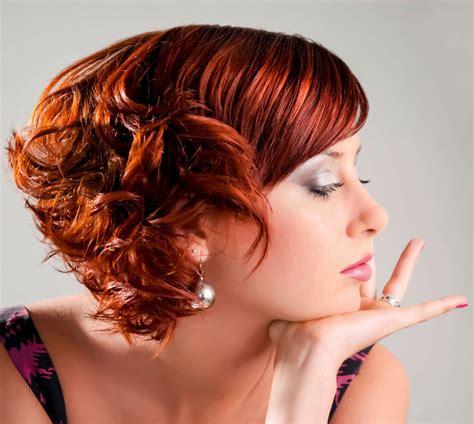 freche frisur fuer kurze rote haare mit locken rote haare
