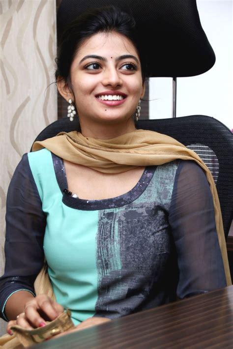 actress kayal anandhi photos heroine hd stills kayal anandhi cute photos stills gallery