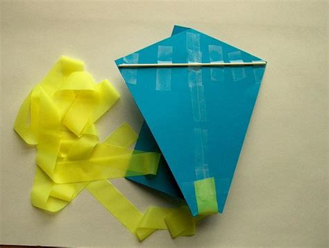 How To Make Simple Kite From Paper - easy paper kite for 11 steps with pictures