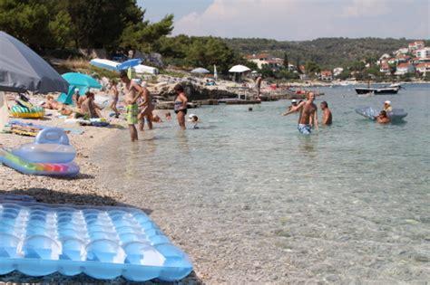 Exklusive Sonnenschirme 413 by Urlaub In Kroatien Ferienhaus Danica In Okrug Gornji