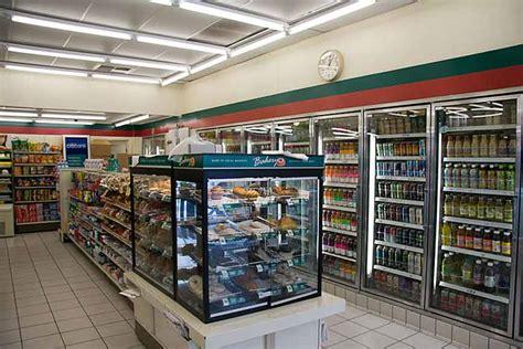Seven Eleven 7 eleven convenience store