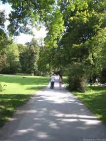 haltestelle englischer garten garden munich attractions