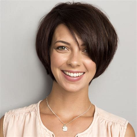 what kind of haircut is best for small thin face face framing bob haircut women s hairstyles signature