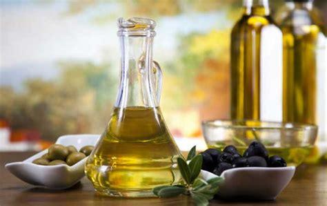 Minyak Zaitun Perawatan Kulit berita manfaat minyak zaitun pada kulit analisadaily