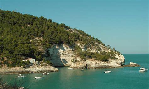 gargano appartamenti sul mare appartamenti vacanze sul mare a vieste cala azzurra nel