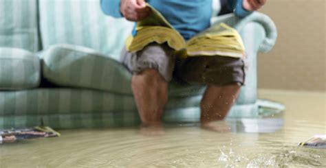 wohnung unter wasser was tun wasserschaden in der mietwohnung was tun