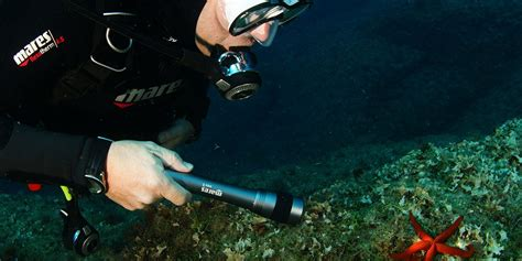 dive torch how to choose a dive torch why mares