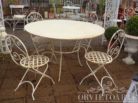 sedie in ferro battuto da giardino orvieto arte tavolo rotondo a tre piedi in ferro battuto
