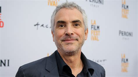 alfonso cuaron alfonso cuaron new movie is mexican family drama variety