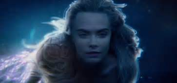 delevingne plays twin mermaids    pan trailer daily mail