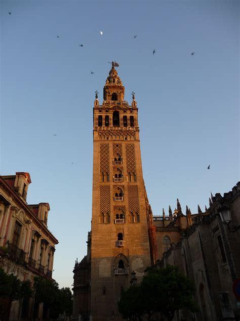 siviglia turisti per caso siviglia torre della giralda viaggi vacanze e turismo