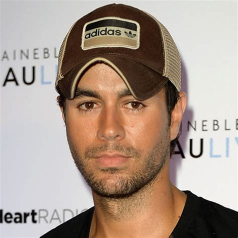 biography of a famous hispanic person enrique iglesias singer model songwriter biography